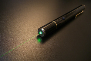 All laser pointers use thin two-dimensional layers to confine electrons to the interior of the device, which increases their efficiency.